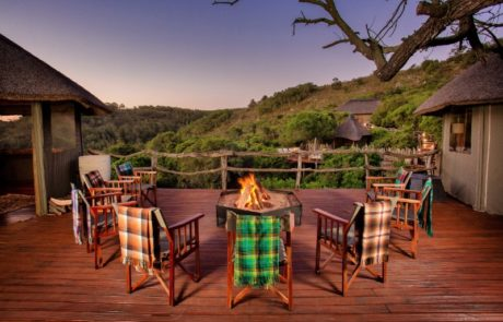 Lalibela Game Reserve - Tree Tops - Outside dining area and firepit