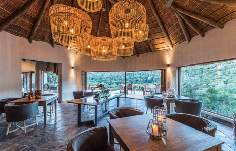 Lalibela Game Reserve - Inzolo Lodge - Main Lodge - Dining Area