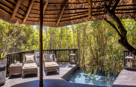 alibela Game Reserve - Kichaka Lodge - Bedroom - Private Viewing Deck and Plunge Pool - Bush Facing
