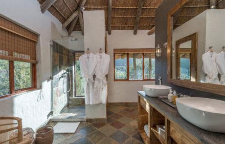 Lalibela Game Reserve - Inzolo Lodge - Bathroom